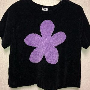 Tops - Vintage 90s flower power cropped top.